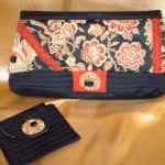 THE PAGODA CLUTCH / SMALL W..