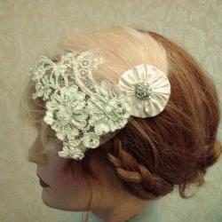 1920&#039;s Wedding Headpiece, Flapper Style, Feather Fascinator, Beaded Bridal Headband, Vintage Lace Headpiece, Petite Gold Shimmer Tulle Veil